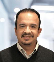 Meet Efren, Certified Sales Representative.
